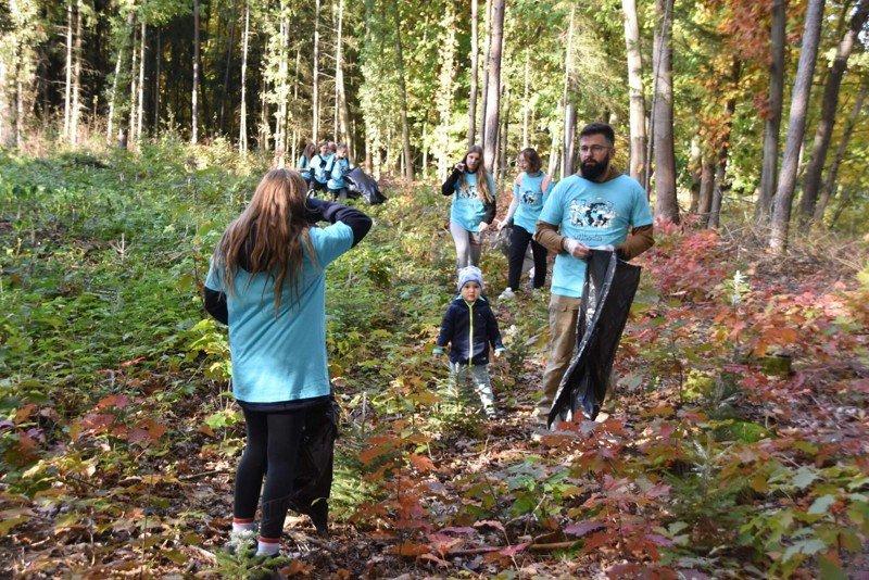 15.10.2021 Uklidíme Branišovský les